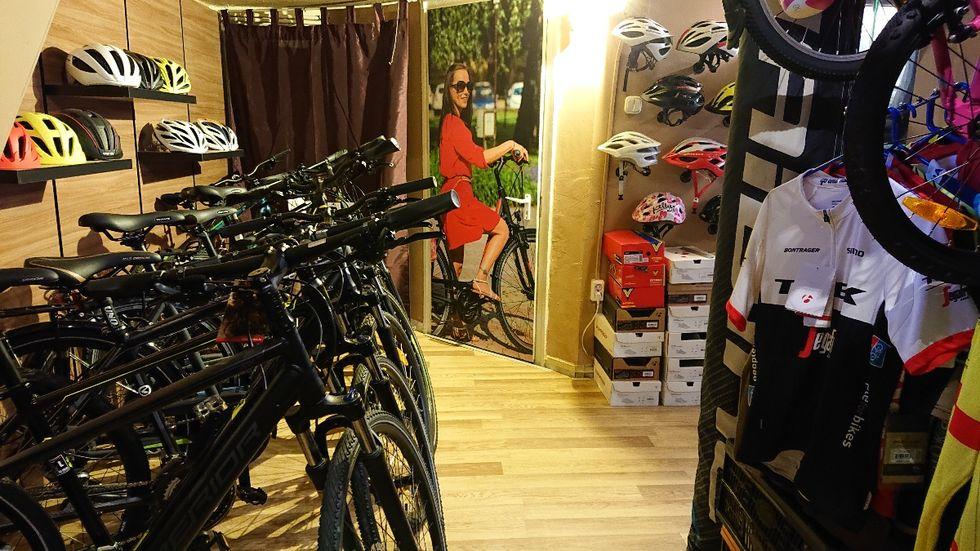 Q1 kerékpárszalon belső képek